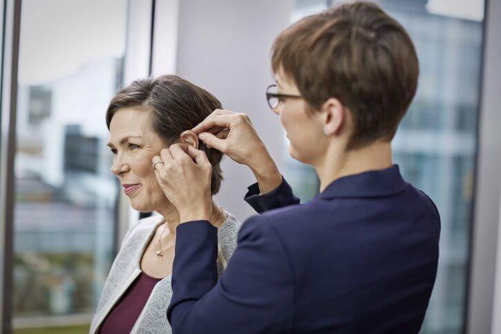 Hörgeräte versorgung mit Wartung