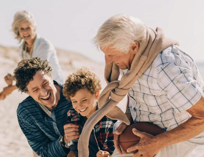 Hörgeräte und Demenz: Gutes Hören hält geistig fit